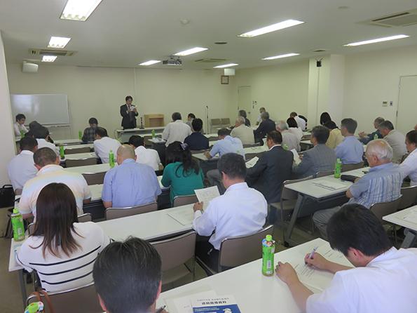 講演「食品衛生の動向について」「食の安全は原材料のチェックから」 「お客様の口に入るまでの安全を確保」 福島県保保健福祉部食品生活衛生課